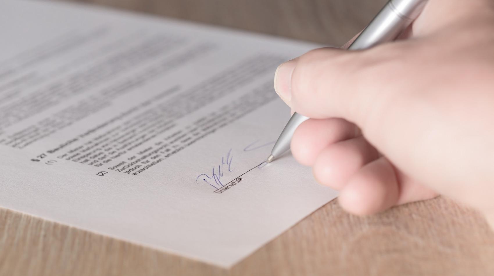 Pourquoi on va tous adopter la signature électronique, et l'aimer